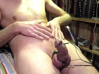 bdsm Electro + nipple play=cum amateur