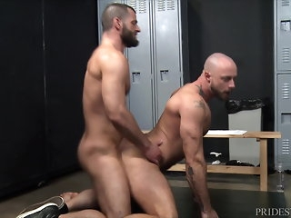 bear MenOver30 Jake Morgan's Locker Scope Boner bareback