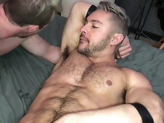 muscle Blond Pointing hunk